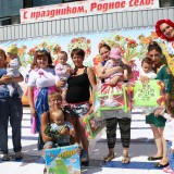 Ползунки победители и их мамы