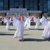 Выступает танцевальный коллектив Криводановки